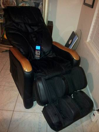 black message chair w leg massage - $900 (portland)