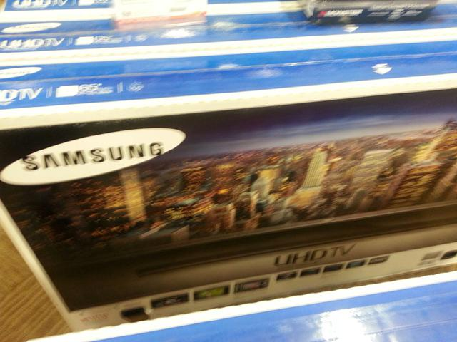 $1,600, Great Buy Brand New Samsung 65in HDTV