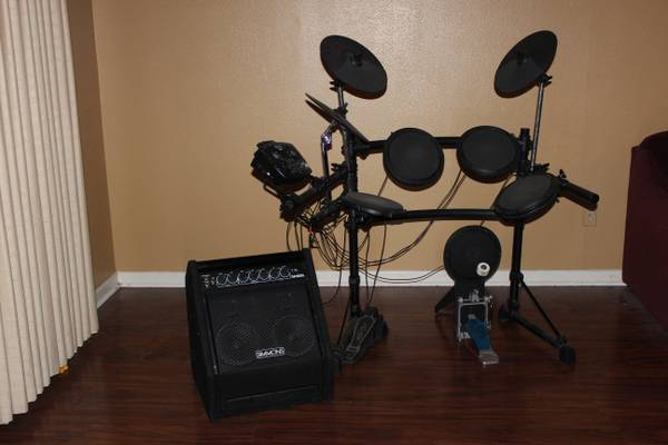 Electronic Drum Set - Simmons SD7K