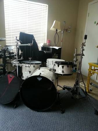 Onyx Orange County Drumset with Cymbal Stands, Snare Stand Bags - $1000 (Corpus Christi, TX)