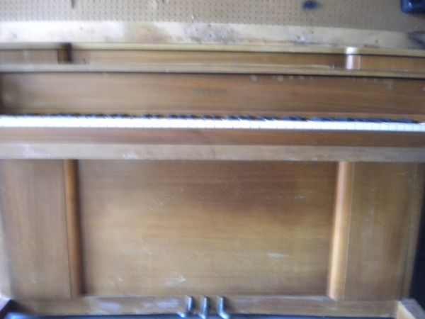 Story And Clark Piano - $300 (Corpus Christi Texas)