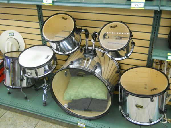Peace Drum Set - $400 (First Cash Pawn Alice)