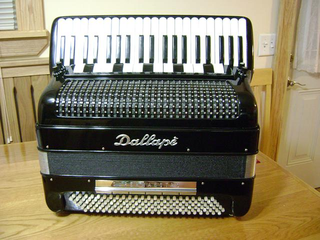 Dallape Super Maestro LMMH Accordion $1800