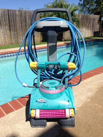 Dolphin Deluxe Pool Cleaner For Sale