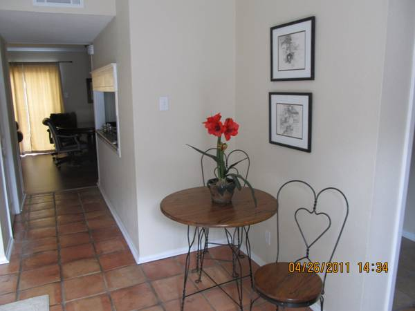 - $1800 3br - 1550ftsup2 - Ask About Discount Pricing (East Kings Court)
