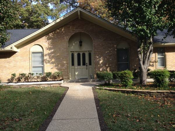 BEAUTIFUL BRICK HOME IN HERITAGE SOUTH - 3BR 2BA   OFFICE  SOUTH TYLER