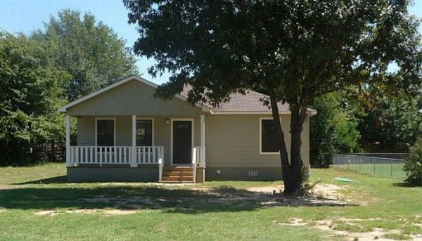 $105000  3br - FSBO-NEW BUILT HOME-OPEN FLOOR PLAN-STAINLESS APPLIANCES (Lake Palestine, Chandler)
