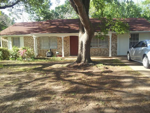 - $98000  4br - 1275ftsup2 - FSBO South Tyler Home move in ready 41.5 (1517 Terre Haute Drive)
