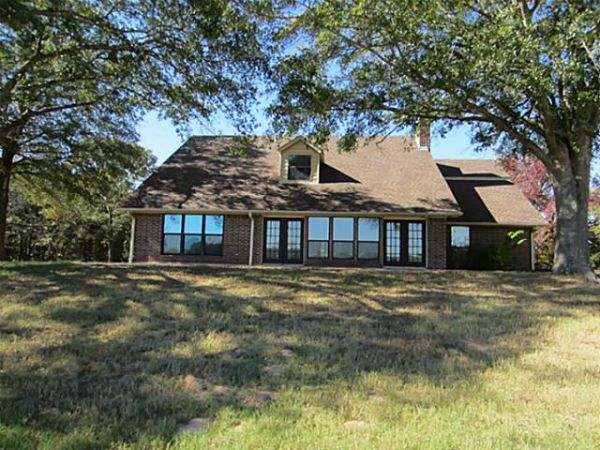 $745000 4br - 4200ftsup2 - 21380C116Great Ranch Home on 75 Acres in Southern Smith County (Tyler)
