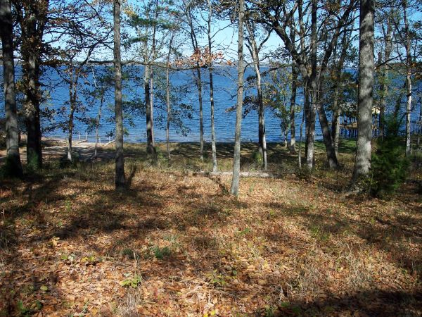 - $65000 WATER FRONT LOT (PITTSBURG, TX)
