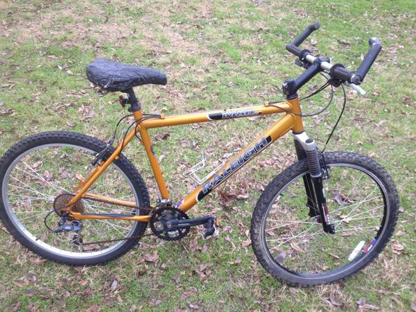 Raleigh M80 Mountain Bike - x0024200 (Big Sandy)