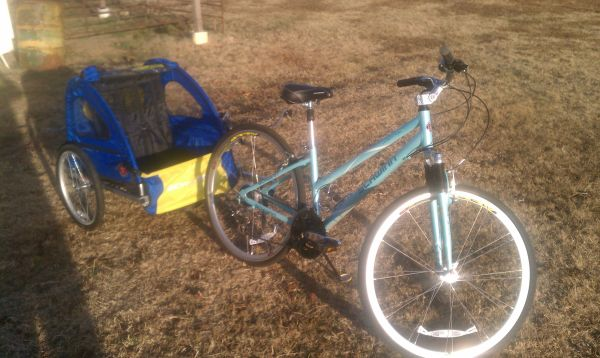 1 womens schwinn 1 guys raleigh bike and kids schwinn trailer - $150 (edgewood)