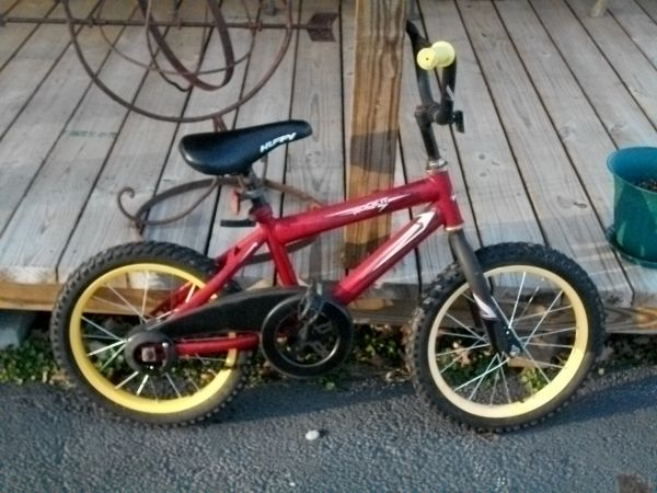 Little kids Huffy Bike with 12.5 inch tires - $10 (Frankston, TX)
