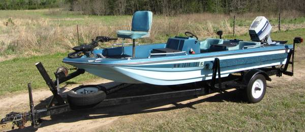 1979 15 6 Kingfisher Bass Boat with 75 hp Evinrude - $2800 (Kilgore, Tx)