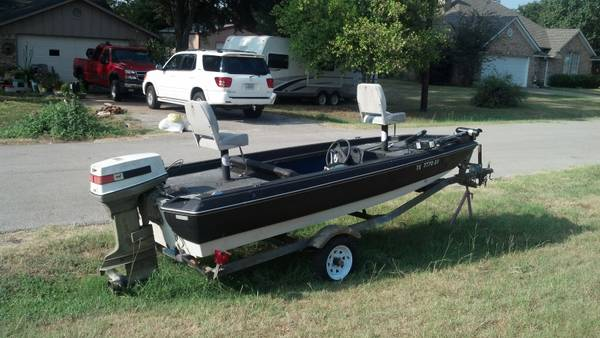 Bass Boat - $650 (Whitehouse)