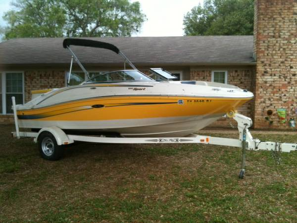 Only 69 HOURS  2006 Searay 185 Ski Boat - $13000 (Whitehouse, TX)