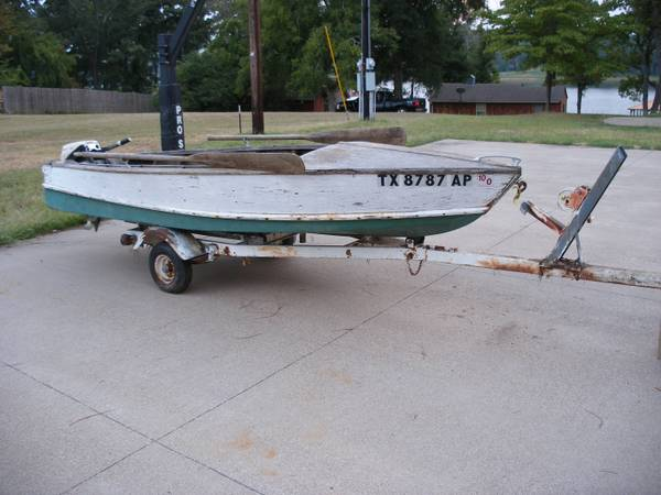 14 Wooden boat wJohnson 9.5 outboard - $495 (Whitehouse)