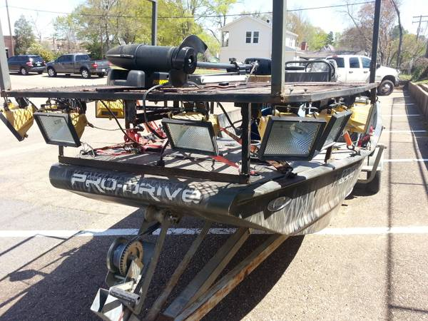 pro drive boat and motor - $13000 (lake of the pines)