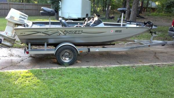2004 Xpress X17 Bass Boat 140hp Johnson - $8700 (Villages Resort FlintTyler)
