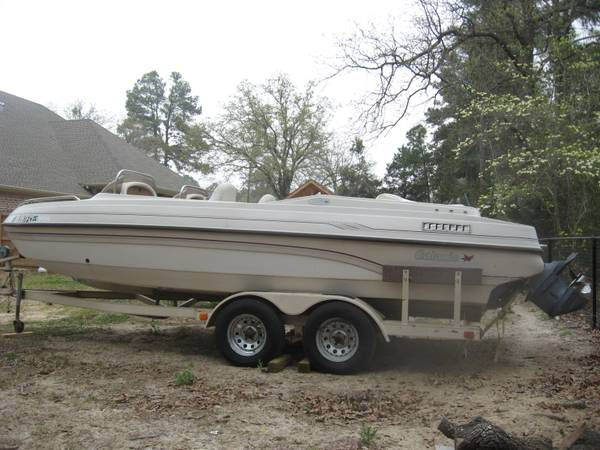 97 Galaxie 2200 Ultra Deck boat - $3500 (Lindale)