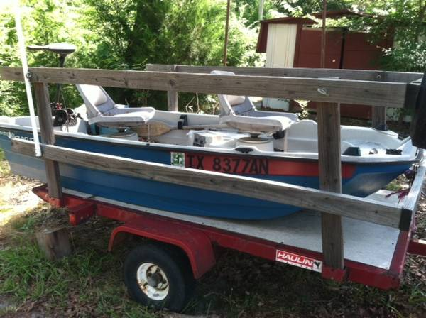10 Bass Hound 2-person boat - $800 (Edom, Texas)