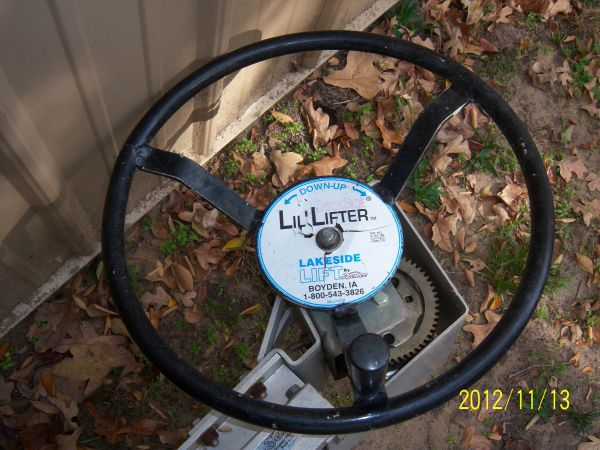 lil lifter jetski lift - $700 (cedar creek lake)