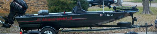 Alumaweld bass boat 17 ft - $6500 (Longview)