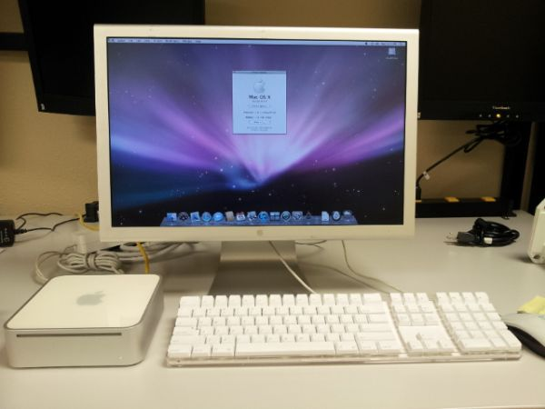 Mac Mini PowerPc G4, Keyboard, Cinema Display  Mouse - $200 (Tyler, Texas)