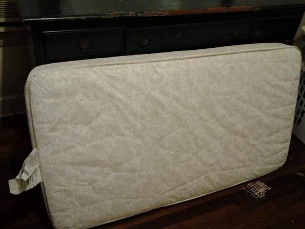 Free    toodler matress  free crib toddler bed matress   you can text me at 903 424