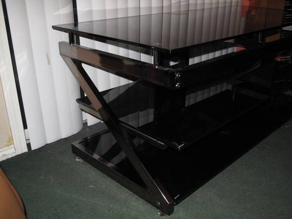 VERY NICE TV COMPONENT STAND - $150 (LONGVIEW)
