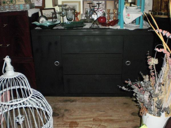Buffet  vintage solid wood painted black -   x0024 195  Whitehouse Indoor Flea Market
