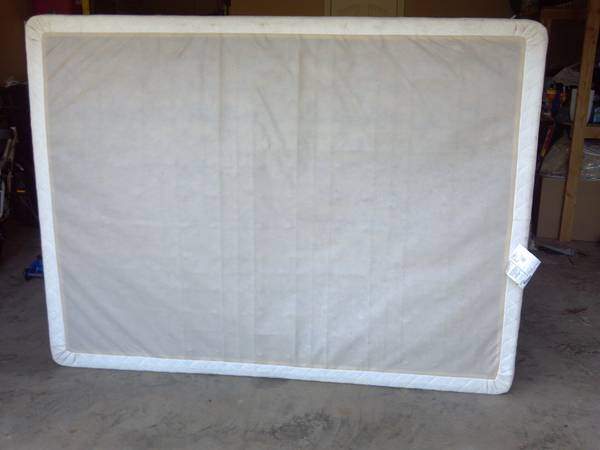 Used Queen Mattress and Boxspring - $50 (Lindale )