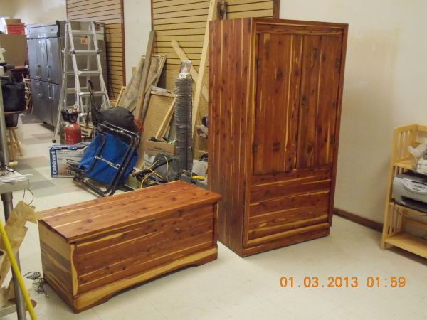 CEDAR CHEST AND WARDROBE - $600 (LONGVIEW)