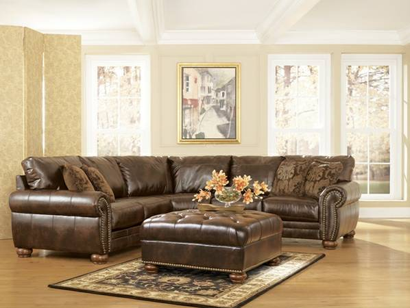 HUGE LEATHER NAILHEAD RUSTIC SECTIONAL SIGNATURE BY ASHLEY -NEW - $995 (TYLER,LINDALE,CANTON,PALESTINE)