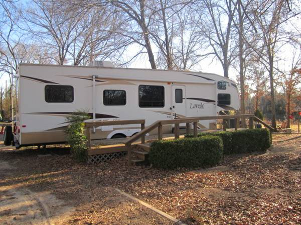 2 BR 2008 KEYSTONE LAREDO 34  FIFTH WHEEL -   x0024 17600  LAKE FORK
