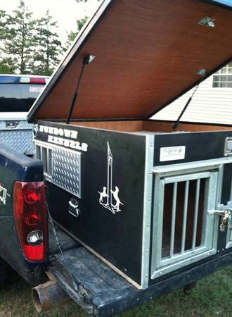dog box with top compartment - $350 (pittsburg tx)