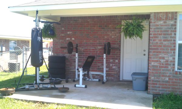 University Olympic Weightbench Everlast Heavy Bag Speed Bag Stand (Tyler, Tx )