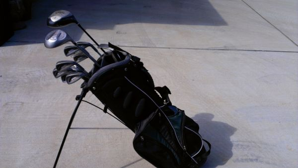 Tour Classic golf clubs, mixed set w drivers and bag - $100 (Longview)