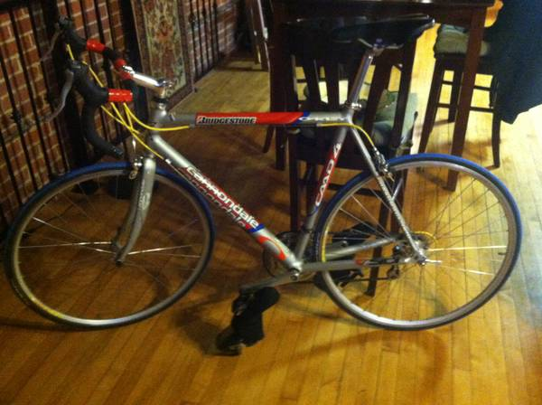 2004 CANNONDALE R400 ROAD BIKE 56CM SHIMANO COMPONENTS GREAT CONDITION - $300 (LONGVIEW)