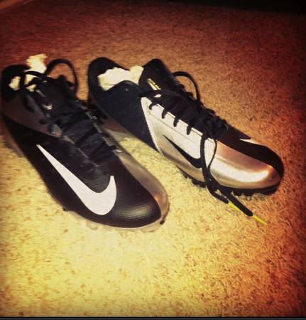 Nike Vapor Talon Elite Low Football Cleats - $75 (Tyler)