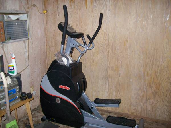 Ironman 600e Elliptical - $500 (7 Points)