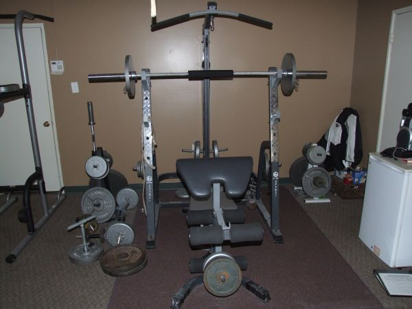 Exercise Home Gym, Weight Bench, Boxing Stand, Pullup Station (Outside Rockwall)