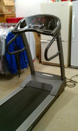 VISION FITNESS- Deluxe T9500- Treadmill - $900 (Tyler, TX)