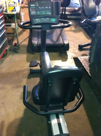 Precor Recumbent bike C846 - $495 (Longivew)