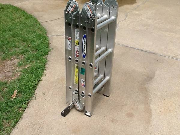 Werner 12 folding ladder - $75 (Longview,Tx)