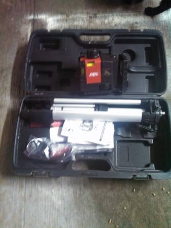 laser level with tripod - $50 ( Whitehouse)