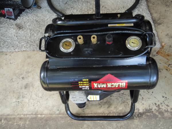 BLACK MAX PORTABLE AIR COMPRESSOR - $125 (Athens)