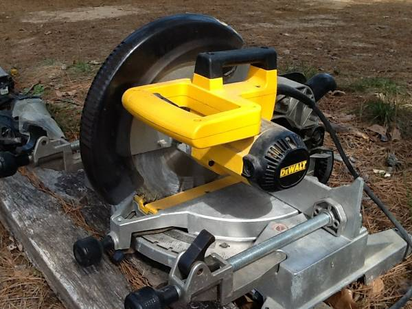 Dewalt Mitre Saw -   x0024 300  Holly Lake Ranch