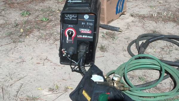 Lincoln LN-25 Pro wire feedersuitcase welder - $1600 (longview,tx.)