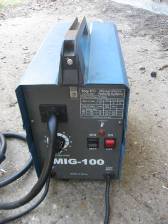 ELECTRIC MIG WIRE WELDER AND MASK - $220 (JEFFERSON)